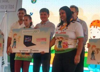 Aluna Natalia Kochemborger, da EM Artur Tavares de Melo, teve seu trabalho avaliado como o melhor na categoria redação do 7° ano, no programa AGRINHO - Divulgação