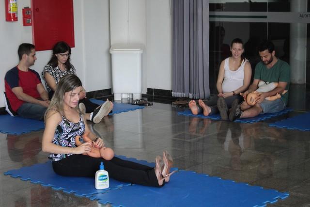 Shantala, técnica de massagem para bebês, será o tema da palestra - Divulgação