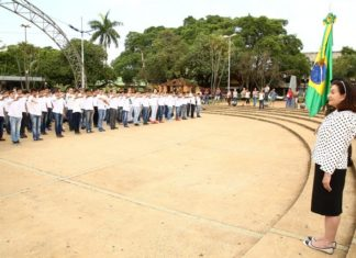 Este ano foram alistados mais de 2,5 mil jovens. Destes, em torno de 700 foram pré-dispensados e pelo menos 500 estiveram na praça - Foto: A. Frota