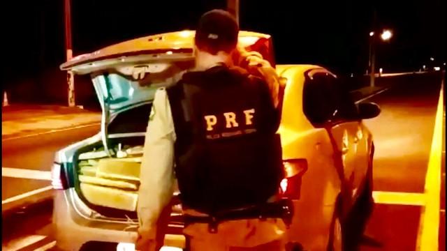 Droga apreendida totalizou 946,8 quilos – Divulgação PRF