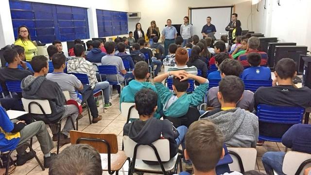 Palestra foi ministrada nesta terça-feira; 70 alunos estiveram presentes – Divulgação 3º BPM