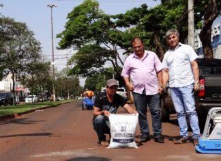 Serviço de tapa-buracos avança por várias regiões da cidade – Foto: Assecom