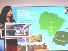 Prefeita Délia Razuk discursando durante consulta pública, na Aced, sobre o ramal da Ferroeste em Dourados – Foto: A. Frota