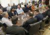 Assinatura do convênio entre Estado e Prefeitura aconteceu na quarta-feira, na Governadoria, com as presenças da prefeita Délia, secretários e vereadores - Foto: Chico Ribeiro