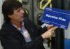 As placas azuis de 40 centímetros de largura por 20 de altura são fabricadas em material de alumínio composto - Foto: A. Frota