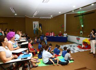 A secretária de Educação, Denize Portollan, ressaltou e agradeceu o envolvimento de mais de 40 instituições de ensino com apresentações no Festival - Foto: A. Frota