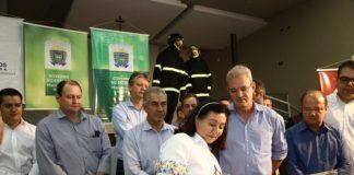 Governador Reinaldo Azambuja e prefeita Délia Razuk assinaram ordens de serviço, nesta sexta, nas áreas de saúde e infraestrutura urbana – Foto: A. Frota