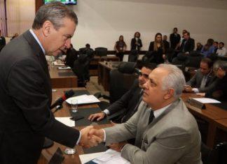 Paulo Corrêa leu a indicação assinada por 23 deputados e parabenizou Flavio Kayatt - Foto: ALMS
