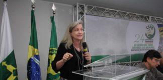 Maria Lucia Fattorelli durante palestra no 24° Congresso Nacional da Confederação Nacional dos Servidores Públicos do Brasil - Divulgação