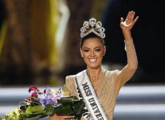 Demi-Leigh Nel Peters, de 22 anos, foi eleita ontem (26) a Miss Universo 2017 – Foto: EPA