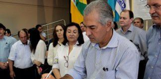 Governador esteve nesta sexta em Dourados onde entregou empreendimentos e autorizou o início da revitalização das avenidas centrais da cidade – Foto: Chico Ribeiro