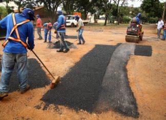 Operação tapa-buraco será retomada em breve, no centro e nos bairros de Dourados - Foto: A. Frota