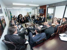 Prefeitos durante reunião com a bancada federal - Assessoria