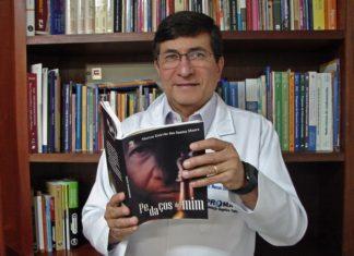 """Médico psiquiatra Marcos Estevão irá lançar nesta quinta-feira (14) seu livro de poemas """"Pedaços de Mim"""" – Foto: Raquel de Souza"""
